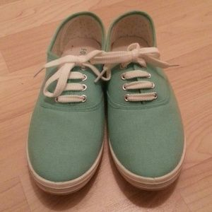 Mint tennis shoes
