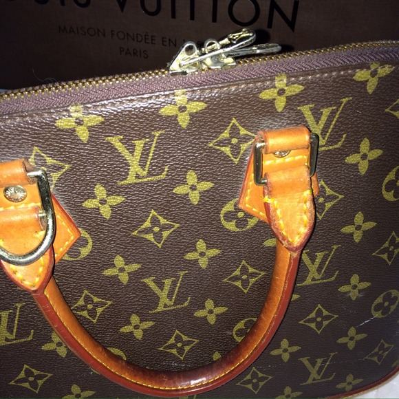 Louis Vuitton Bags - Authentic Louis Vuitton Alma Satchel Monogram