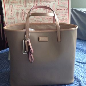 coach outlet tote bags e9lb  Coach Tote Bag Outlet