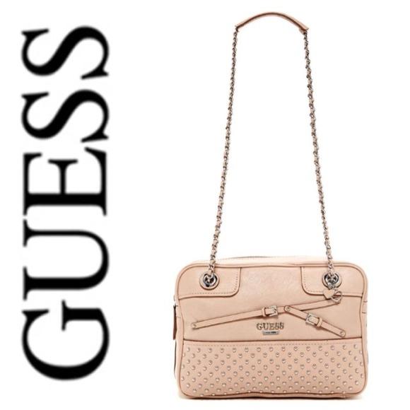 012a453622eb Guess Handbags - BNW OT Guess