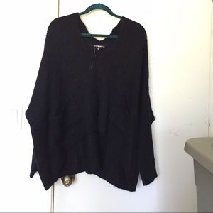 New oversized black knitted sweater