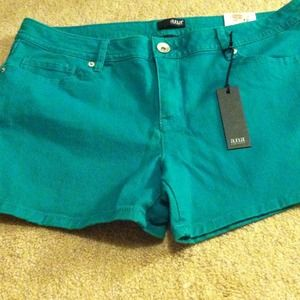 Denim - BNWT a.n.a green shorts