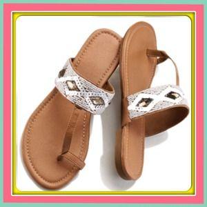 Shoes - Toe loop sandal