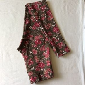 Brandy Melville floral leggings