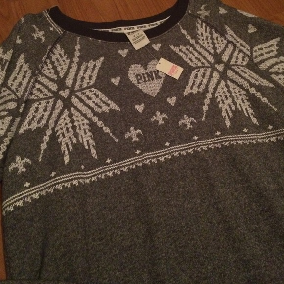 Victoria's Secret - Victorias Secret Pink Christmas Sweater🎀 from ...