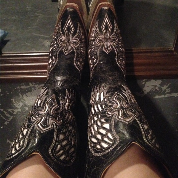 64ae164b33b CORRAL black and white cross and wing cowboy boots.  M_53814c34018efa103710bcd6