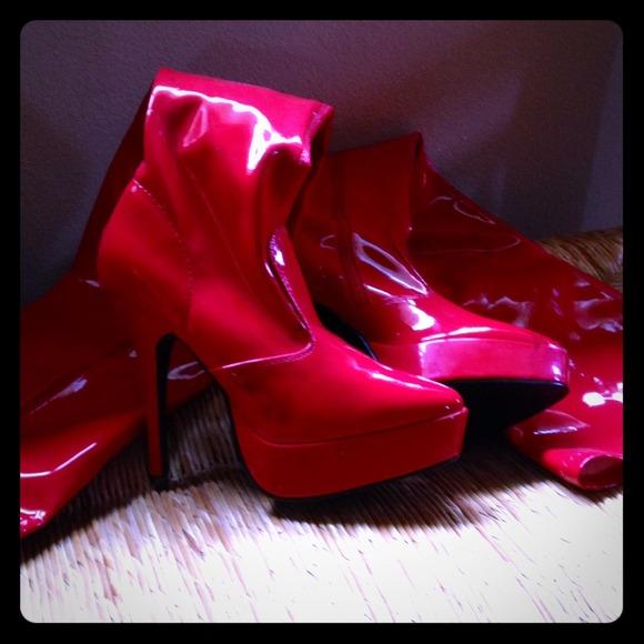 6d8d49e8792 Red thigh high boots