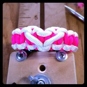 Paracord survival heart bracelet