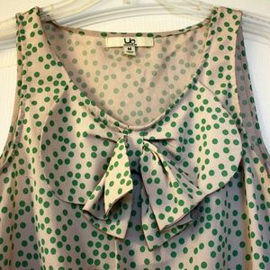 ModCloth Tops - 🎉HP🎉🌿Pretty🌿Bow-front green dots top 4