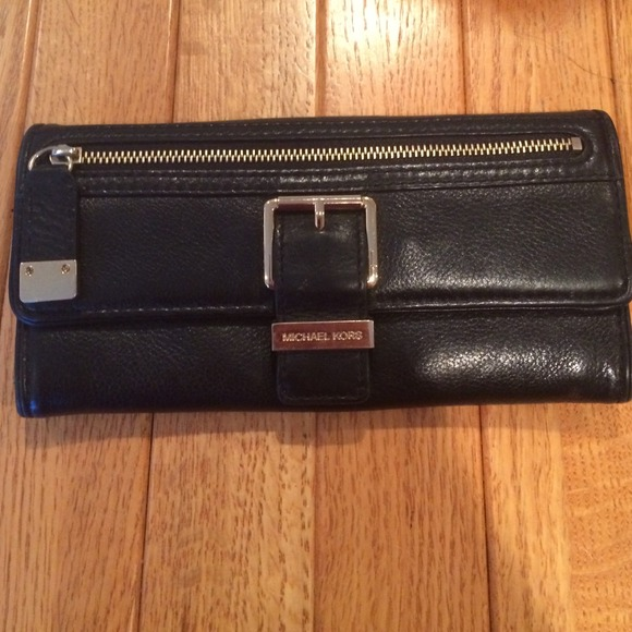 2d7719628c2a Michael Kors Bags | Black Textured Leather Wallet | Poshmark