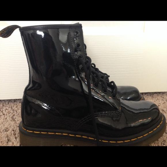 19 off dr martens boots dr martens air wair patented. Black Bedroom Furniture Sets. Home Design Ideas