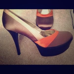 Brand new bebe Parisian pumps in a size 8
