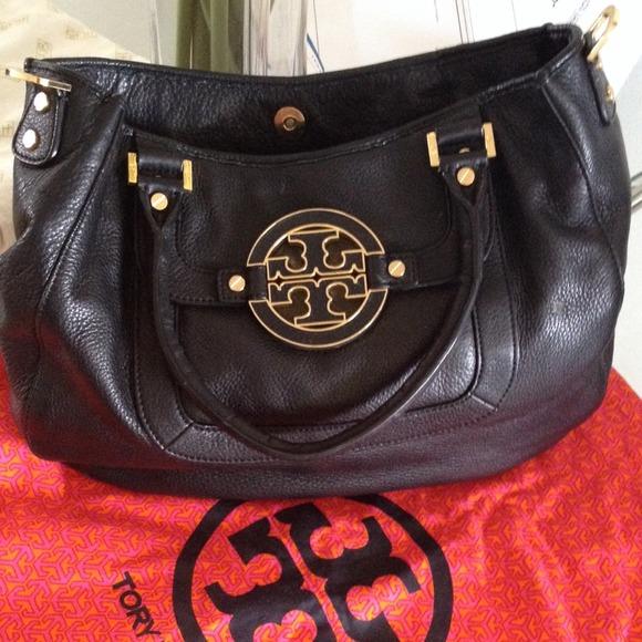 90471a1138f6 Authentic Black Leather Tory Burch Bag 👌condition.  M 5383c79fb539e4340e213946
