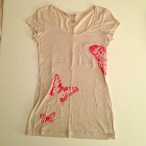 Tops - VS butterfly tee-sold on vinted