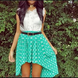 Dresses & Skirts - Green patterned high-low skirt