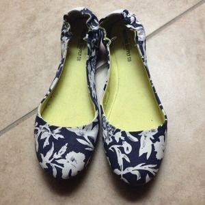 Shoes - Floral flats
