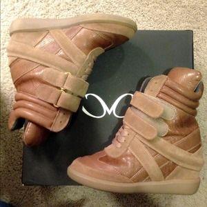 MONIKA CHIANG Shoes - Monika Chiang High Top wedge sneaker sz 6