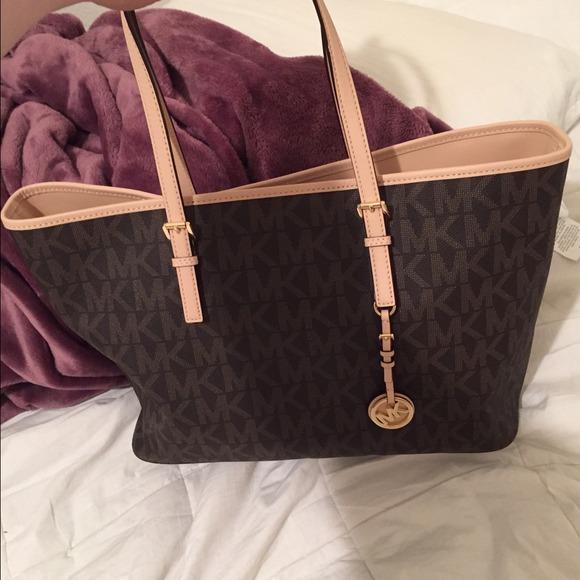 1ed18395a4 MK tote bag purse (on hold. M 541f98b3e6ce283148133ef9