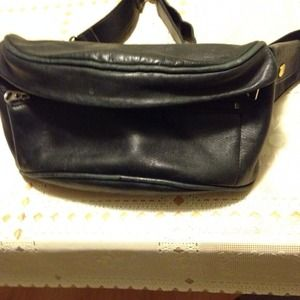 Reduced. Vintage Coach fanny pack hip pouch