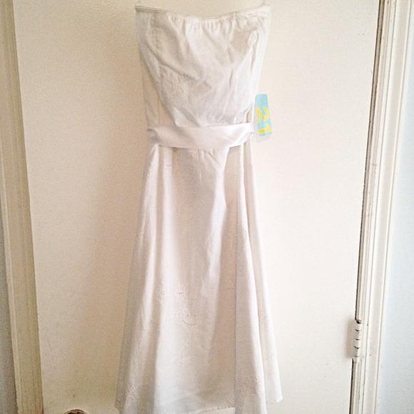 Forever 21 Dresses & Skirts - Forever 21 White Eyelet Dress, Size S