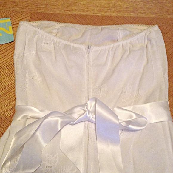Forever 21 Dresses - Forever 21 White Eyelet Dress, Size S