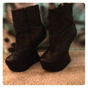 Dope invisible heel ankle boot by Jeffery Campbell