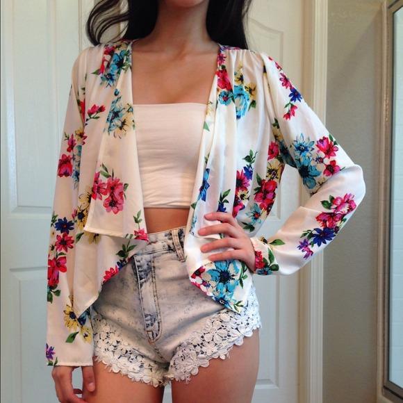 Jackets & Coats - 🎉HOST PICK🎉NWT White Flowy Blazer