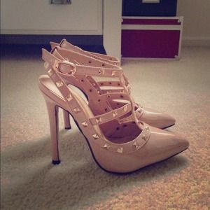 Shoes - NWOT Studded Nude T-Strap Pumps