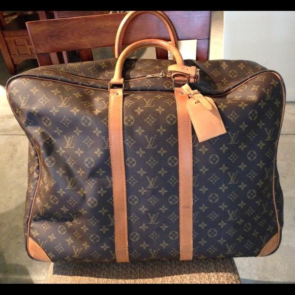 Сколько стоит оригинальная сумка луи витон
