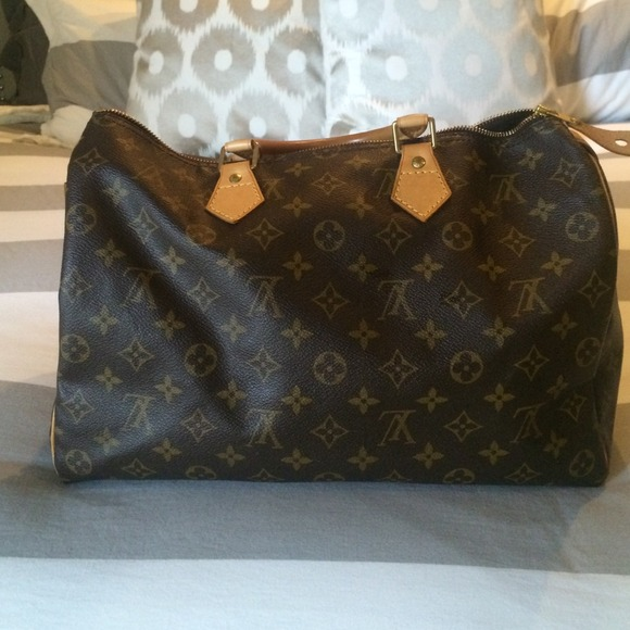 Louis Vuitton Bags - ✂️PRICE CUT✂️Authentic Louis Vuitton speedy 35