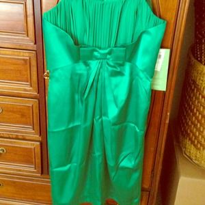 Dresses & Skirts - NWT Green Strapless dress sz 8 runs small