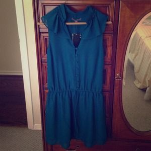 Dresses & Skirts - NWT Piperlime Teal Dress size Small