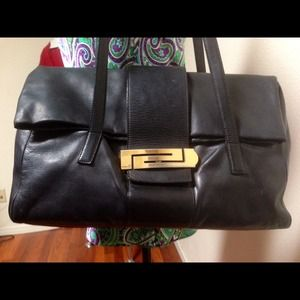 Versace Handbags - FLASH!!🎀 Gorgeous VERSACE Black Barrel Bag