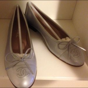 Chanel Patent Leather Flats in Silver