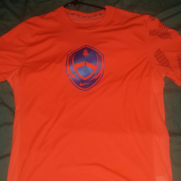 44 Off Nike Tops Nike Dry Fit T Shirt From Haley 39 S