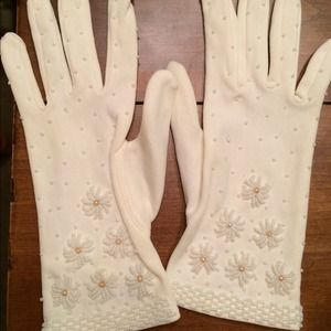 Accessories - Antique white beaded gloves- Sale!