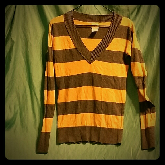 Mossimo Supply Co. - Grey & yellow striped long sleeve v - neck ...