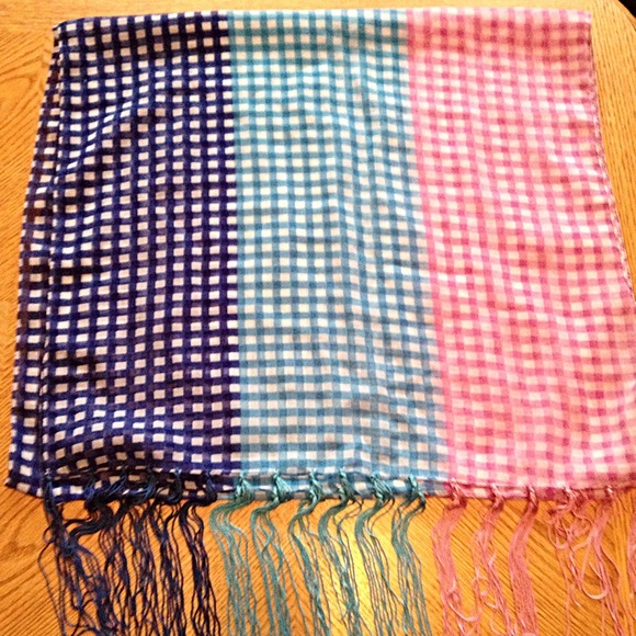 Charming Charlie Accessories - Charming Charlie Gingham Scarf