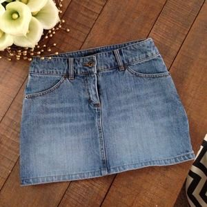 H&M Denim mini skirt Sz 4 but fits like a Sz 0-2