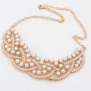 SALE $15 Pearl Statement Necklace