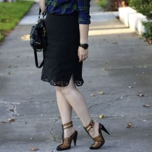 Ann Taylor Dresses & Skirts - Lace Trim Pencil Skirt