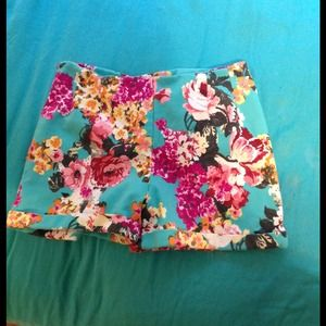 Brandy melville floral high waisted shorts