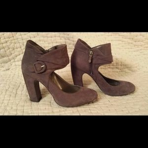 B Makowsky Shoes - Suede ankle straps shoes