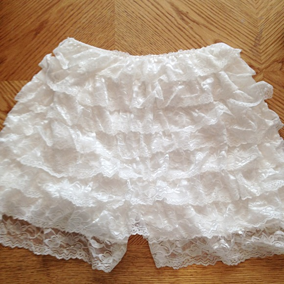 Other - White Lace Shorts, Size S/M