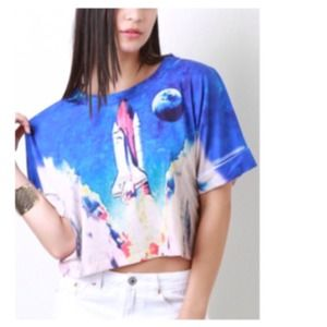 Tops - 30% OFF Blue White Graphic Crop Top