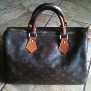 Authentic Louis Vuitton Speedy 30 Pics Set 1 of 3