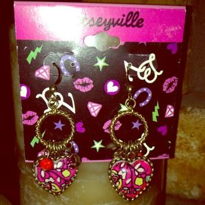 Betsey Johnson heart dangle earrings