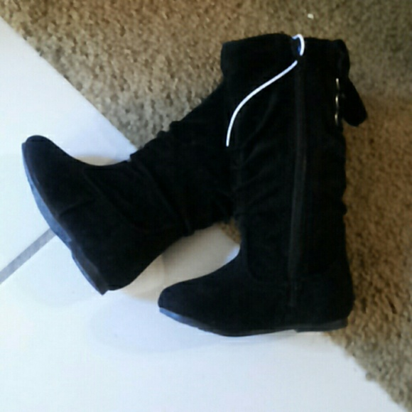Boots Size 4
