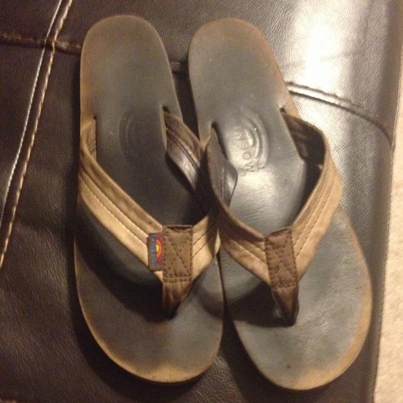 rainbow sandals too big