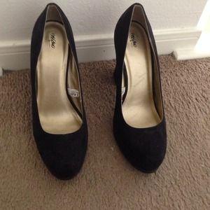 Shoes - Mossimo Black Chunky Heels